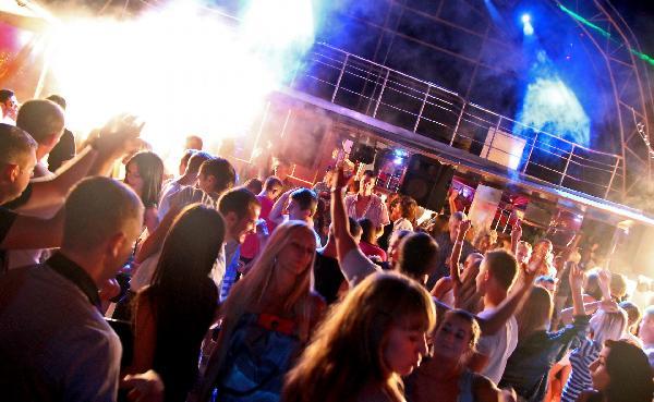 Ночные клубы в вышним волочке фото в ночном клубе липецк