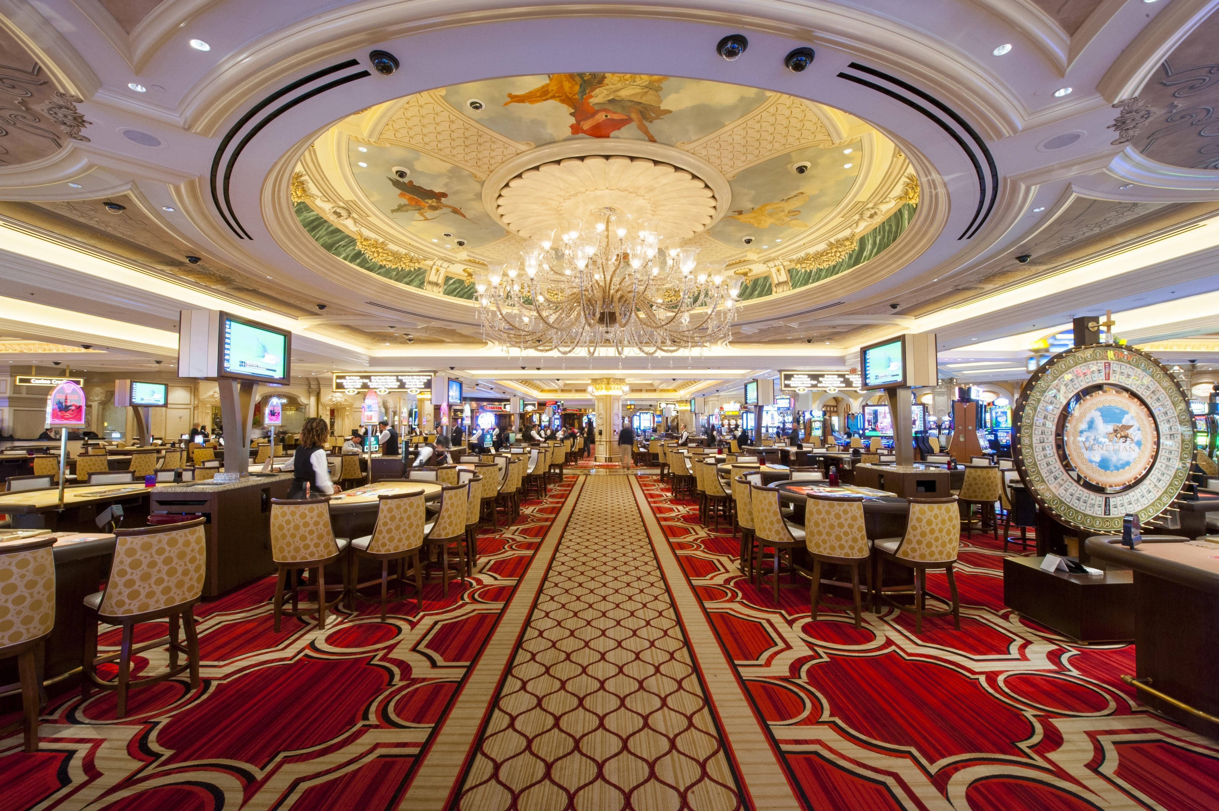 Казино кабаре клуб реклама и витрины на казино-клубах