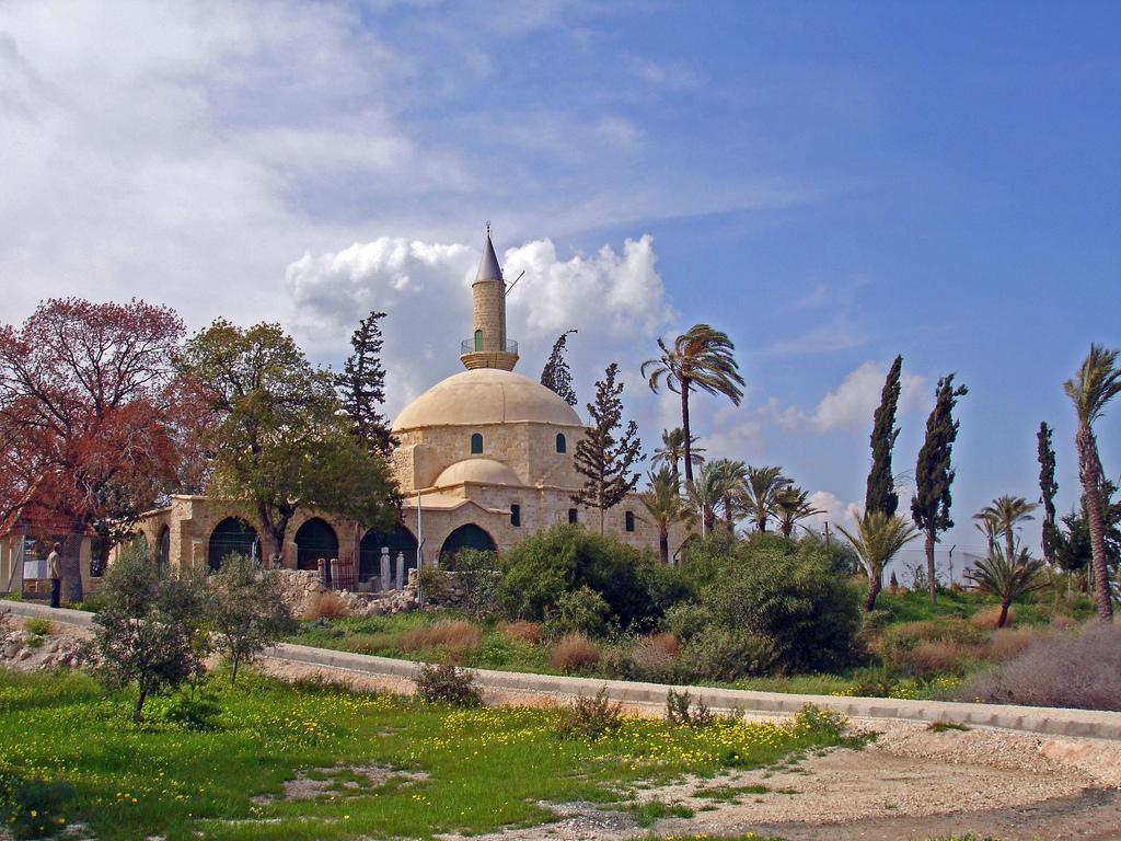 Кипр - Мечеть Хала Султан Текке | Турнавигатор Ларнака 35 интересных достопримечательностей Ларнаки 1473984701